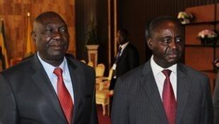 Le président centrafricain François Bozizé (à droite) et le représentant de la Seleka Michel Djotodia, le 11 janvier 2013 à Libreville, au Gabon.