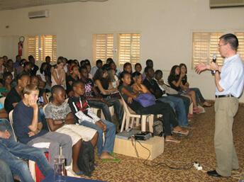 Niger. Face aux lycéens.