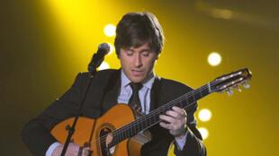 """Thomas Dutronc đoạt giải Victoires dành cho ca khúc xuất sắc nhất """"Comme un manouche sans guitare"""""""