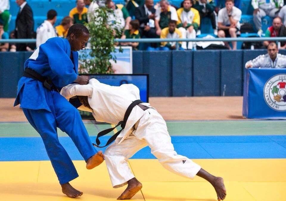 Wachezaji wa mchezo wa Judo wakiwa katika mpambano jijini Bujumbura nchini Burundi Mei 13 2018
