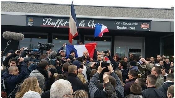 Protestas en Calais, el 6 de febrero de 2016.