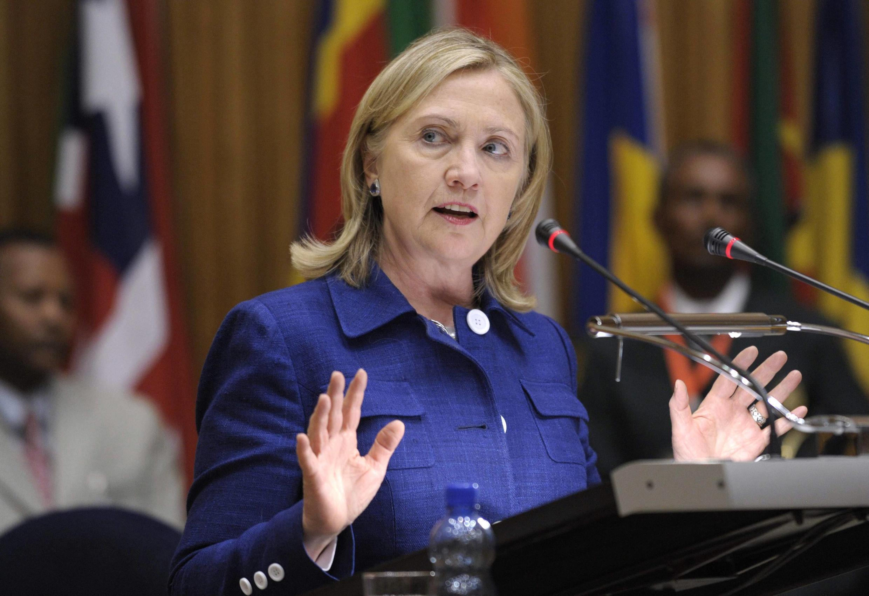 Ngoại trưởng Mỹ Hillary Clinton phát biểu trước các thành viên Liên Hiệp Châu Phi, 13/6/2011.