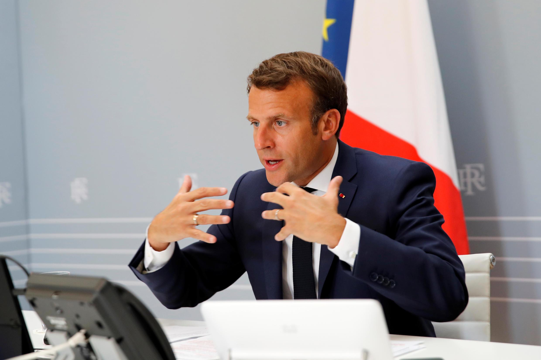 Tổng thống Pháp Emmanuel Macron tại điện Elysée, ngày 24/04/2020, trong một cuộc họp qua vidéo với tổng giám đốc WHO và lãnh đạo các nước về dịch Covid-19.