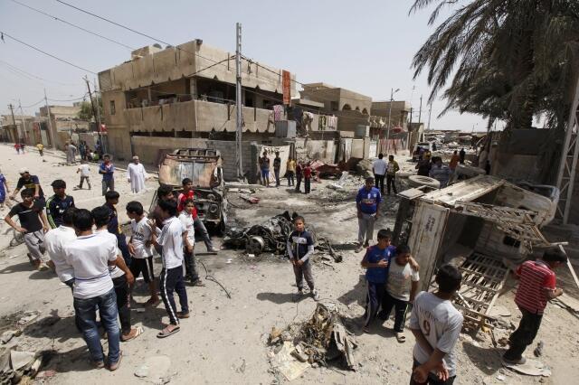 Место теракта в багдадском районе Камалия