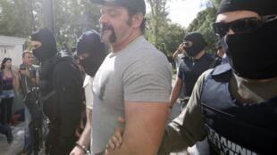 O deputado Yannis Lagos na sua chegada ao tribunal grego.
