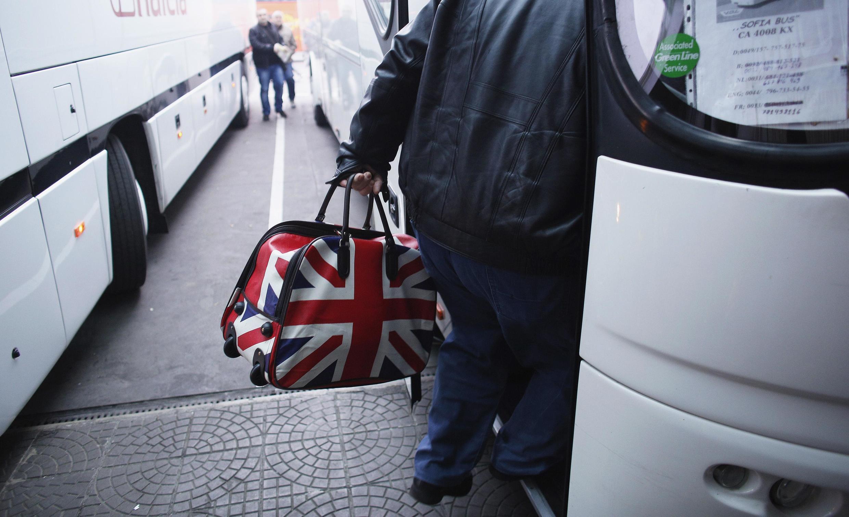 A União Europeia tenta acalmar temores sobre imigração de búlgaros e romenos.