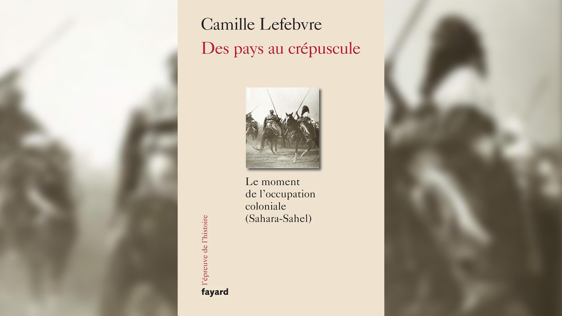 Couverture - Des pays au crépuscule _ Camille Lefebvre _ idées