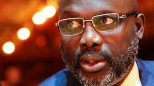 Libéria vota sobre dupla nacionalidade e redução de mandatos do Presidente e parlamentares