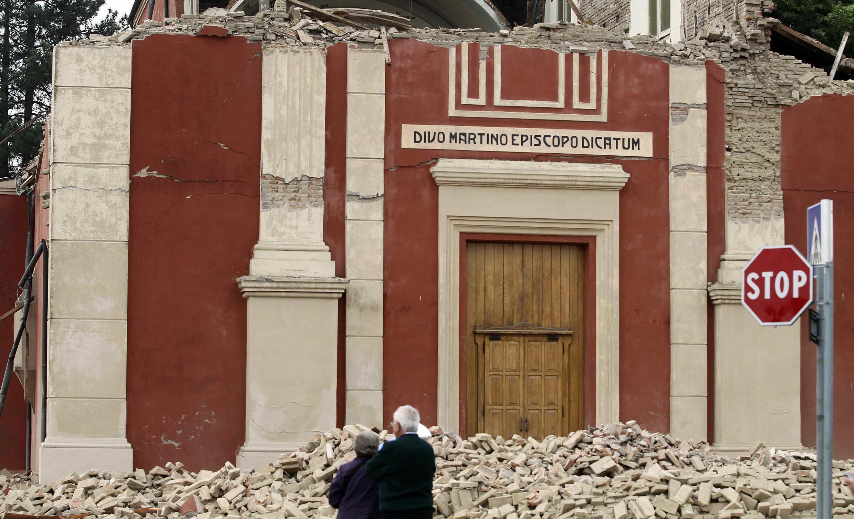 Destroços de uma Igreja em Finale Emilia após o tremor de terra de 6.0 na escala Richter que atingiu o norte da Itália.