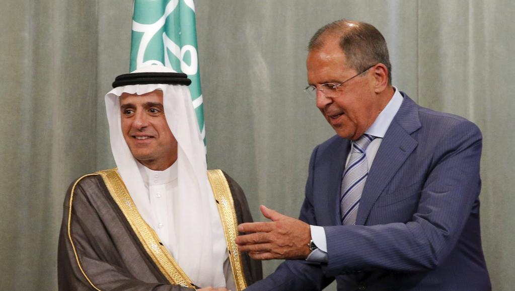 Waziri wa mambo ya nje wa Urusi, Sergei Lavrov  (kulia) na mwenzake wa Saudi Arabia Adel al-Jubeir walikutana mjini Moscow. Agosti 11 mwaka 2015.