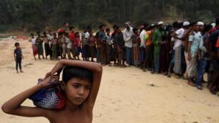 Người Rohingya ở trại tỵ nạn Kutupalong, gần Cox's Bazar, Bangladesh. Ảnh ngày 24/11/2017.