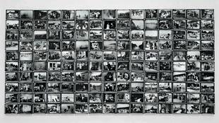 L'album de photographies de la famille de Christian Boltanski exposé au Centre Pompidou.
