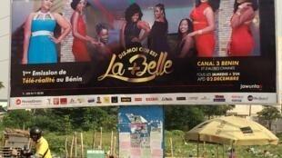 L'affiche de l'émission de téléréalité avec les 8 candidates de «Dis-moi qui est la plus belle».