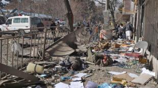 مسئولیت انفجار آمبولانس بمبگذاریشده در مقابل وزارت داخله (کشور) افغانستان را طالبان برعهده گرفت. شنبه  ٧ بهمن/ ٢٧ ژانویه ٢٠۱٨  