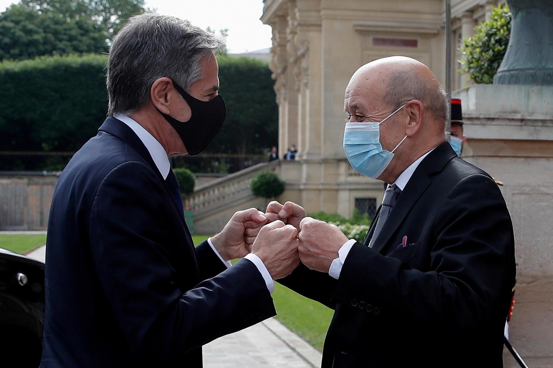 美国国务卿布林肯与法国外交部长勒德里昂资料图片