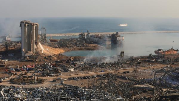 El puerto de Beirut, en el Líbano, después de la doble explosión del martes 4 de agosto de 2020.
