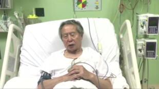Sur une vidéo parue sur Facebook, l'ex-président Fujimori présente ses excuses sur son lit d'hôpital à Lima, le 26 décembre 2017.