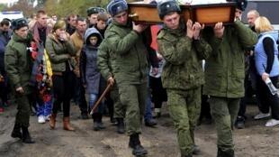 Похороны российского военнослужащего Вадима Костенко в Краснодарском крае, 28 октября 2015 г.