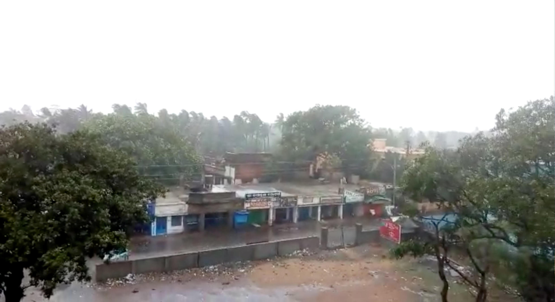 Passagem do ciclone Fani em Puri, na Índia
