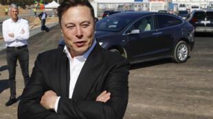 Elon Musk durante una visita a las obras de la planta de Tesla cerca de Berlín en septiembre