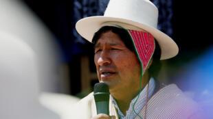 Presidente Evo Morales tem viajado bastante para o interior da Bolívia - críticos afirmam que ele já está em pré-campanha.