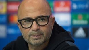 Jorge Sampaoli, durante la rueda de prensa que dio este lunes 21 de noviembre en el estadio Sánchez Pizjuán, en Sevilla