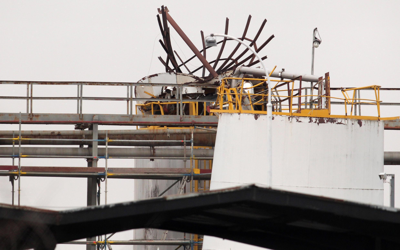 Une photo de la scène de l'explosion dans l'usine chimique.