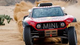 Carlos Sainz, com o navegador espanhol Lucas Cruz, venceu o Dakar 2020.