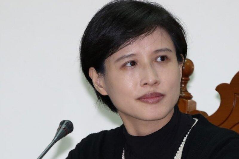 台湾文化部长郑丽君