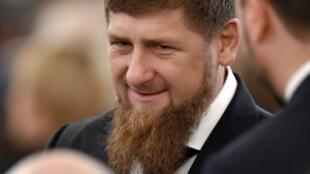 Кадыров поддержал сотрудников правоохранительных органов, избивших местного жителя за неоднократное нарушение режима самоизоляции.