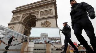 Vigilância em torno do Arco do Triunfo começou antes mesmo da chegada dos líderes mundias em Paris