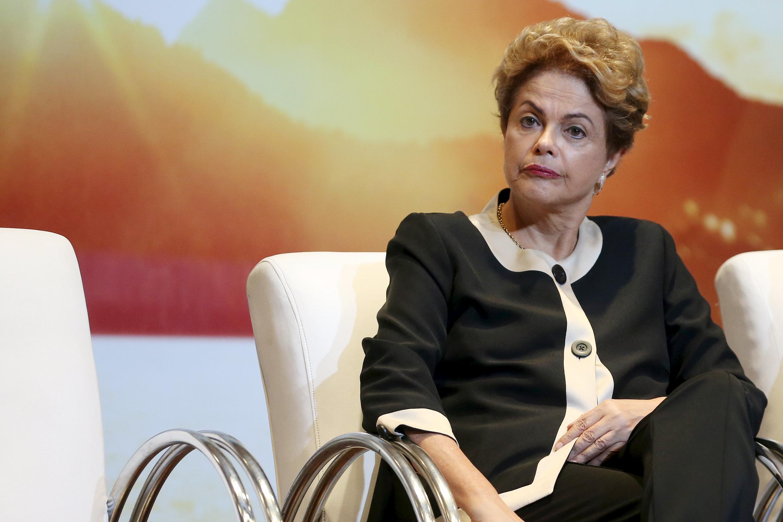 La Cour des comptes du Brésil a rejeté mercredi 7 octobre à l'unanimité les comptes de l'année 2014 de Dilma Rousseff.