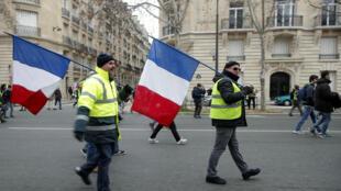 Des «gilets jaunes» lors de l'acte 10 de la mobilisation, le 19 janvier 2019, à Paris.