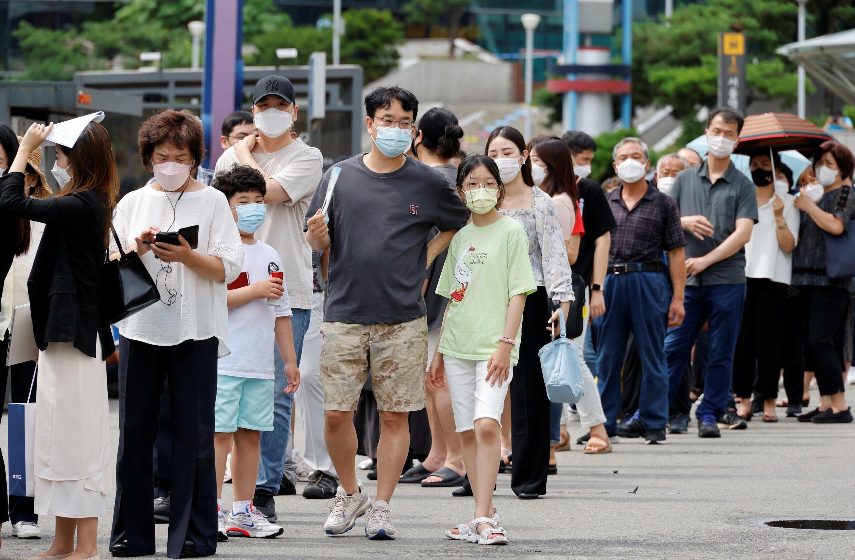 2021-07-07T024732Z_47095873_RC2DFO93P6RS_RTRMADP_3_HEALTH-CORONAVIRUS-SOUTHKOREA