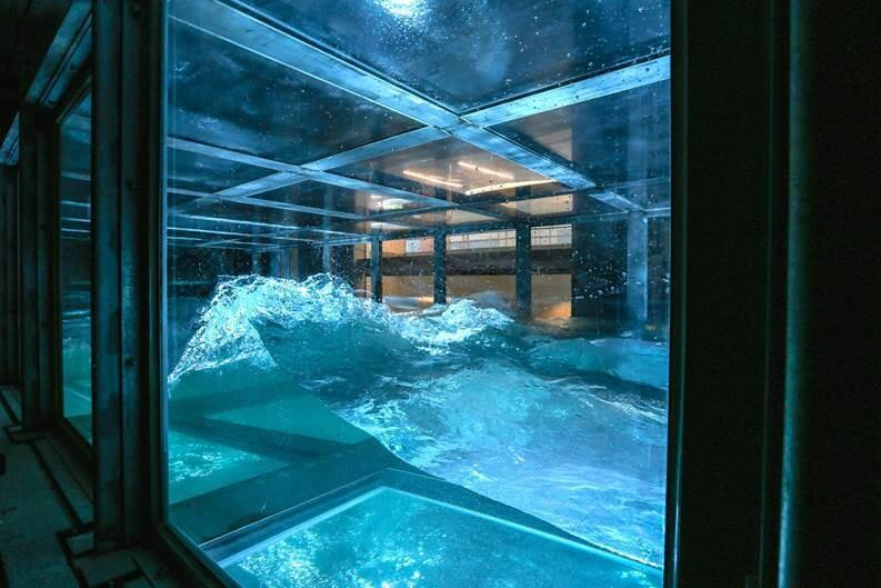 Vagues provoquées dans le laboratoire Sustain, de l'université de Miami.