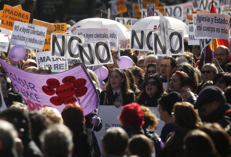 Des milliers de manifestants pro-avortement à Madrid, le 1er février 2014.