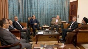 Rencontre des leaders de l'opposition avec le chef du Hezbollah, Hassan Nasrallah (d), le 6 novembre 2009.