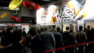 People lined up to enter Paris Games Week