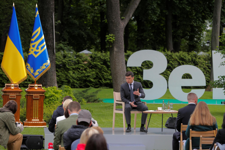 2020-05-20T094454Z_785780155_RC29SG98AFNK_RTRMADP_3_UKRAINE-PRESIDENT