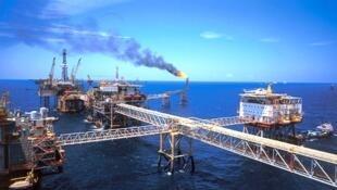 Một dàn khoan dầu của Petro vietnam.