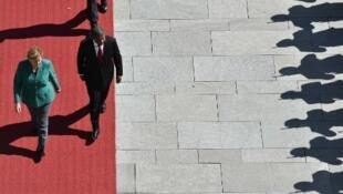 Angela Merkel, chanceler alemã, e João Lourenço, presidente de Angola. Berlim, 22/08/18