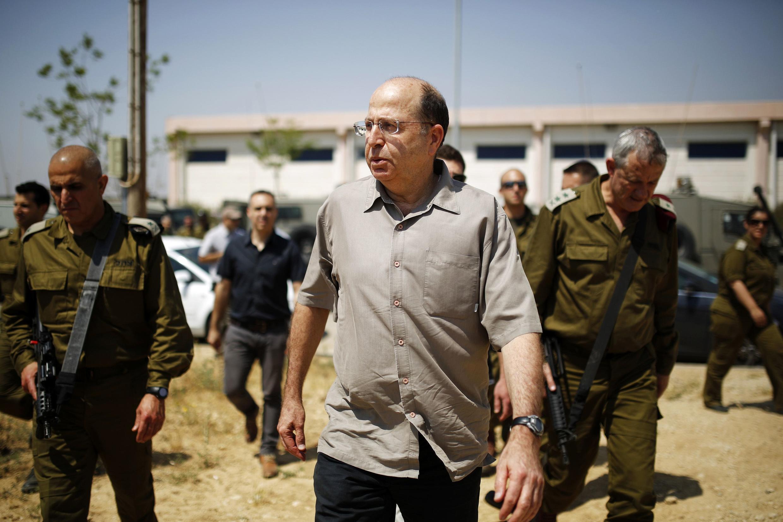 """Bộ trưởng Quốc phòng Israel Moshé Yaalon : """"Ngoại trưởng Mỹ không hiểu gì về cuộc xung đột Israel – Palestine"""" - REUTERS /Amir Cohen"""