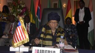 La présidente du Liberia, Ellen Johnson Sirleaf, lors de la 49e conférence des chefs d'Etat de la Cédéao, le 4 juin 2016 à Dakar.