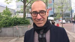 Gustavo Lins, estilista brasileiro radicado em Paris