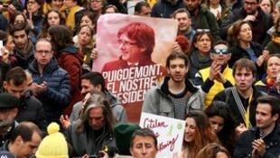 加泰前主席德国被捕引发民众示威。2018-03-25