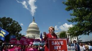 Акция перед Сенатов в Вашингтоне против отмены Obamacare, 21 июля 2017 г.