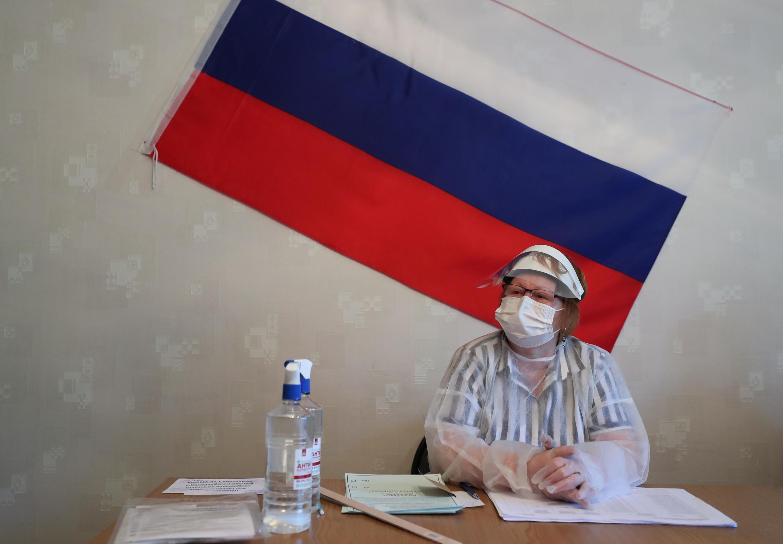 Kituo cha kupigia kura huko Gigemez katika Jimbo la Moscow, Juni 25, 2020.