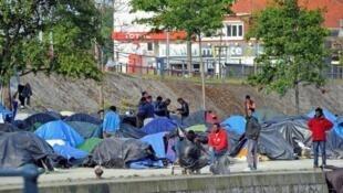 Acampamento de imigrantes desmantelado pela polícia francesa nesta quarta-feira, 28 de maio de 2014.