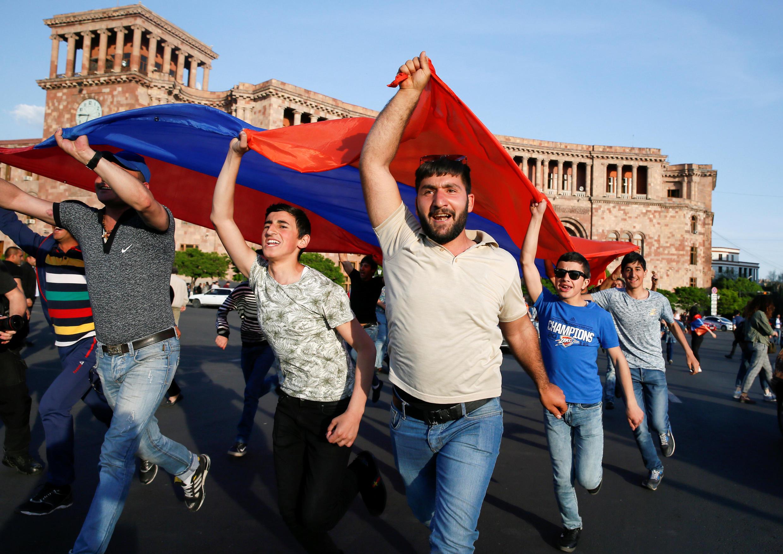 Второй день после отставки Сержа Саргсяна в Армении продолжаются протесты. 26 апреля 2018 год.