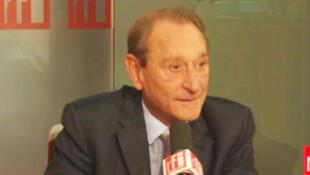 Bertrand Delanoë, maire PS de Paris, président de l'Association internationale des maires francophones (AIMF).